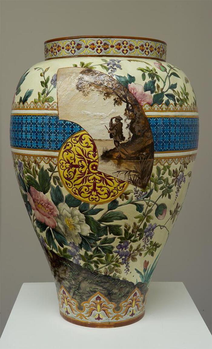 Vase ornemental manufacture jules vieillard et cie bordeaux musee des arts decoratifs et du - Vase decoratif design ...