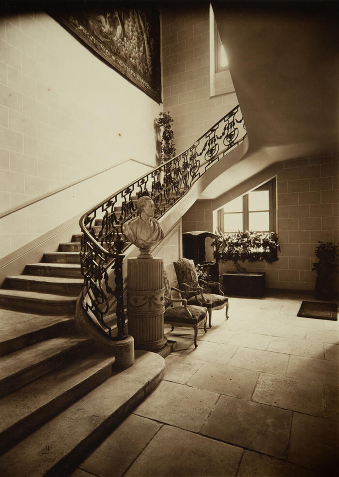 Seen on the vestibule and the main stairway, Exhibition of former art of XVIIth and XVIIIth centuries, 1924<br/> &copy;  madd Bordeaux